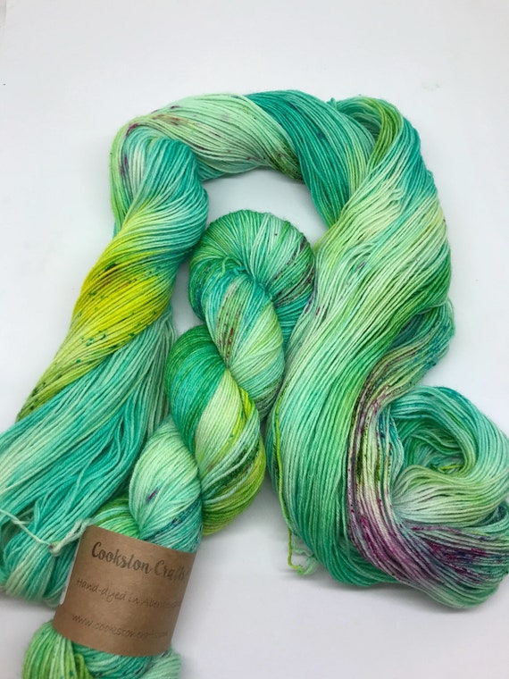 """100g British Blue Faced Leicester Yarn 4 ply, fingering, sock, hand dyed in Scotland, """"Hibiscus"""", green, yellow, pink speckles"""