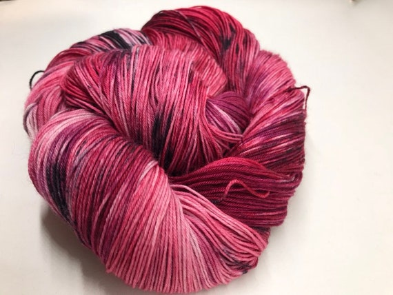 Suntie - 100g Superwash Merino / Nylon Sock Yarn 4 ply, fingering, hand dyed in Scotland, red, burgandy, black, white speckles Christmas