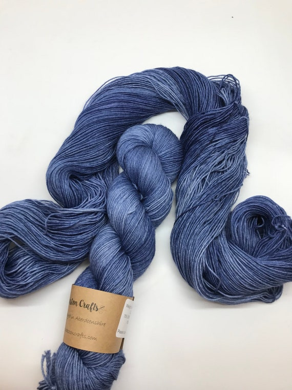 Ice blue - 100g superwash merino / nylon Sock Yarn 4 ply, fingering, hand dyed, tonal dark blue, navy