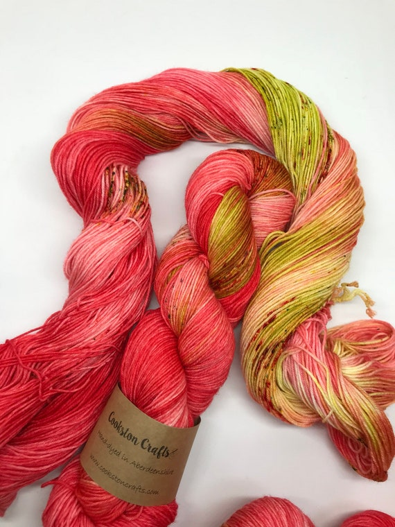 Strawberry Daiquiri - 100g superwash merino / nylon Sock Yarn 4 ply, fingering, hand dyed, variegated red, orange, green