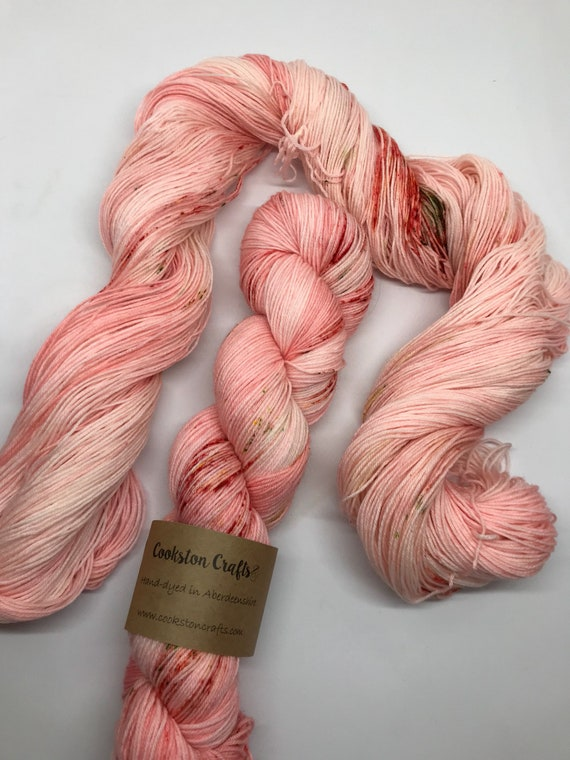 Sushi - 100g Superwash Merino / Nylon Sock Yarn 4 ply, fingering, hand dyed in Scotland, Peach, Coral, pink greenspeckles