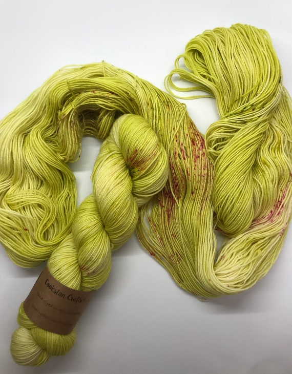 HOLLA - 100g British Blue Faced Leicester Yarn 4 ply, fingering, sock, hand dyed in Scotland, lime green, pink speckles