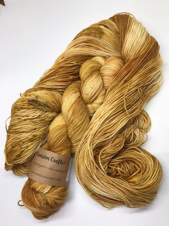 Dram - 100g Superwash Merino / Nylon Sock Yarn 4 ply, fingering, hand dyed in Scotland, whisky, gold, mustard speckles