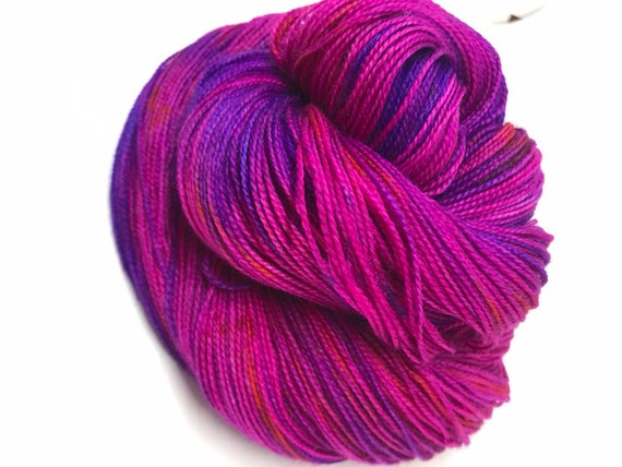 Viola - 100g Superwash Merino / Nylon High Twist Sock Yarn 75/25 merino / nylon, 4 ply, fingering, hand dyed, pink with purple speckle