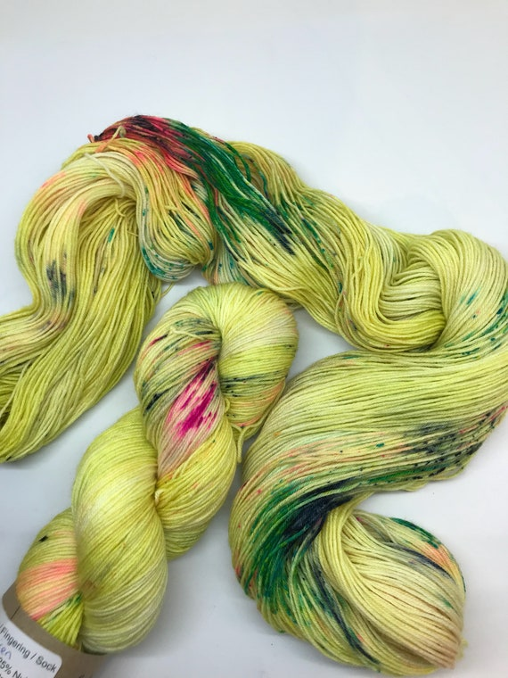 Siren - 100g superwash merino / nylon Sock Yarn 4 ply, fingering, hand dyed, lime speckles pink navy variegated,