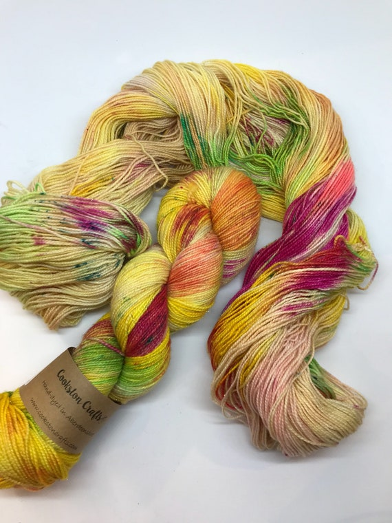 Perroquet - 100g Superwash Merino / Nylon / Gold Stellina Sparkle Sock Yarn 4 ply, fingering, hand dyed yellow, pink green speckles