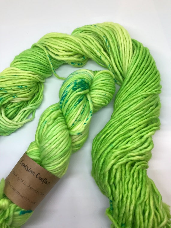 Mike - 100g Super Chunky SW Merino / Nylon Singles, hand dyed in Scotland, lime green, turquoise speckles