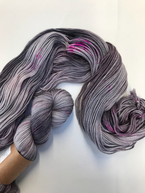 """Grey / Pink Speckles"" 100g 100% Superwash Merino Double Knit Yarn"