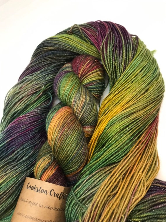 Aura - 100g 75/20/5% SE Merino/ Nylon / gold Stellina, sock fingering 4 ply yarn, handdyed in Scotland, burgundy, green, gold, autumn fall