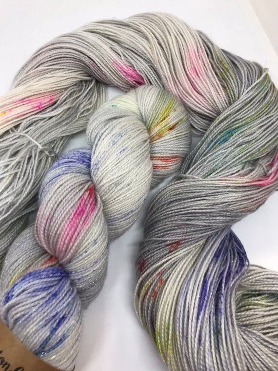 Unicorn Pluff - 100g Superwash Merino / Nylon / Silver Stellina Sparkle Sock Yarn 4 ply, fingering, hand dyed, grey, pastel rainbow speckles