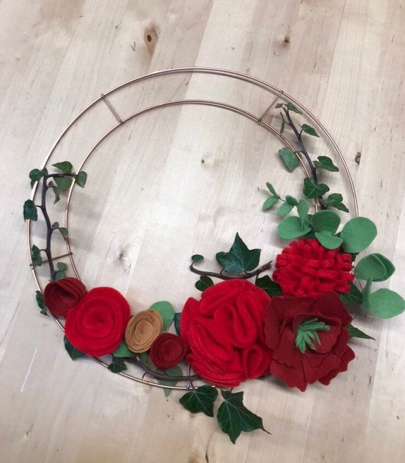 Felt Christmas Wreath Workshop. Thurs 13th Dec 7-9pm. 1 Space remaining.