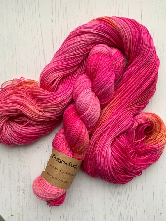 Peony - 100g Superwash Merino / Nylon Sock Yarn 4 ply, fingering, hand dyed in Scotland, pink coral orange tonal