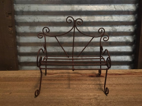 Enjoyable Fairy Garden Miniature Rustic Wire Bench Sweet Curly Q Details Mini Outdoor Rusted Metal Patio Furniture Pabps2019 Chair Design Images Pabps2019Com
