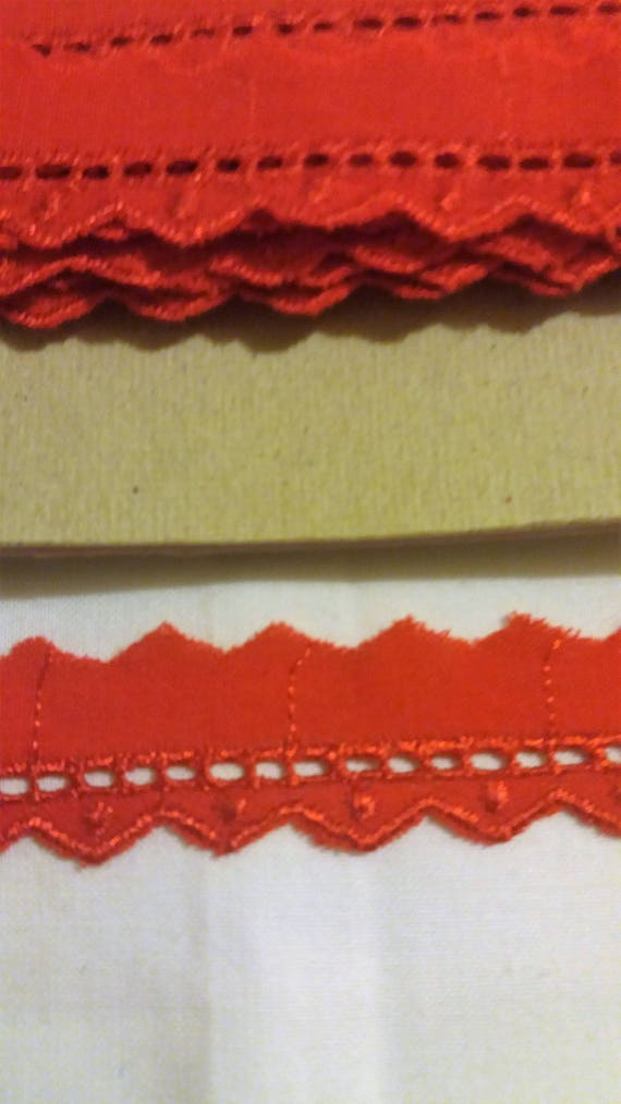 Broderie Anglaise Bright red Trimmings Red cotton Lace 12 mm wide by 9m long