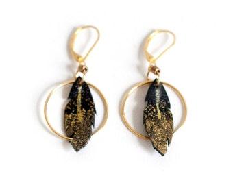 Black and gold feather hoop earrings, genuine leather earrings, leather feather drop earrings, boho chic summer earrings, gold hoop earrings