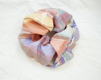 Scrunchies made of pink vintage fabric