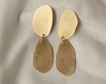 HANNAH 3rd round brass stud earrings