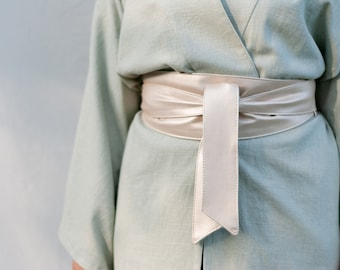 YUNA - Belt, Kimono Belt, Mother of Pearl Outside and Pastel Green Inside Made of Faux Leather and Viscous Linen