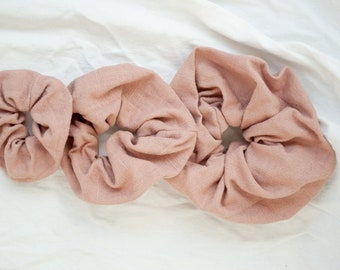 Scrunchies in old pink Viscous linen / linen hair rubber / pink
