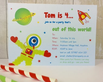 Pack of 16 Space Alien Personalised Party Invites or Thank You Cards