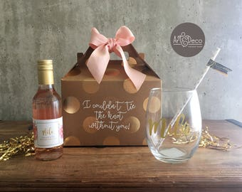 BRIDESMAID GIFT SET   Custom Gifts   Name Glass   Wine kit   Bridesmaid kit    Bridal Shower   Bachelorette   Wedding   Bridesmaid proposal e37d58572dfb