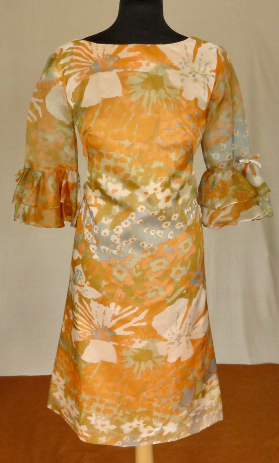 Hippy late 60's ruffled sleeves dress, Crepe feel