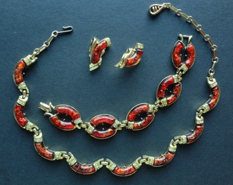 Vintage 1950s Coro signed parure - necklace, bracelet and clip on earrings set, faux tortoiseshell confetti lucite gold tone, mint condition