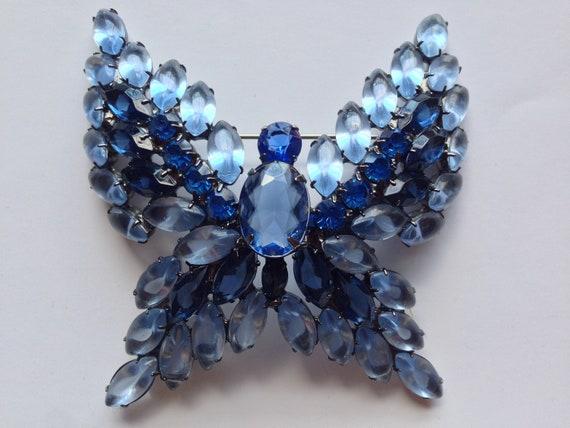 Vintage huge Juliana blue butterfly rhinestone sta
