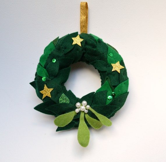 image 0 - Small Christmas Wreaths