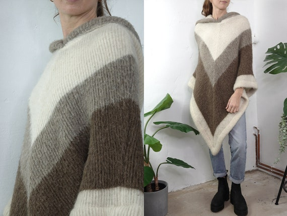 Vintage Poncho Wool Striped Poncho Vintage Wool Coat Beige Small Poncho Winter Clothing Second Hand Vintage Clothing Vintage Fashion WP278