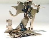 All Metal Vintage SIMANCO SINGER 86642 Ruffler Sewing Machine Attachment Foot