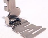 Vintage SINGER SIMANCO 36865 Edge Stitcher Sewing Machine Foot Attachment Low Shank Featherweight 221 222