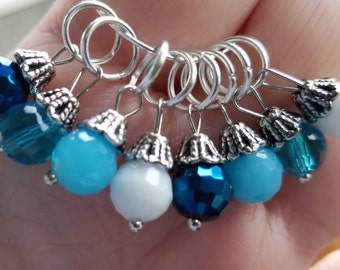 Stitch Markers. Set of 8 multi color blue with white, dangle stitch markers