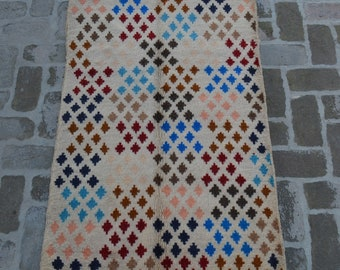 88 x 146 cm. Soft wool hand made modern rug/ Free Shipping