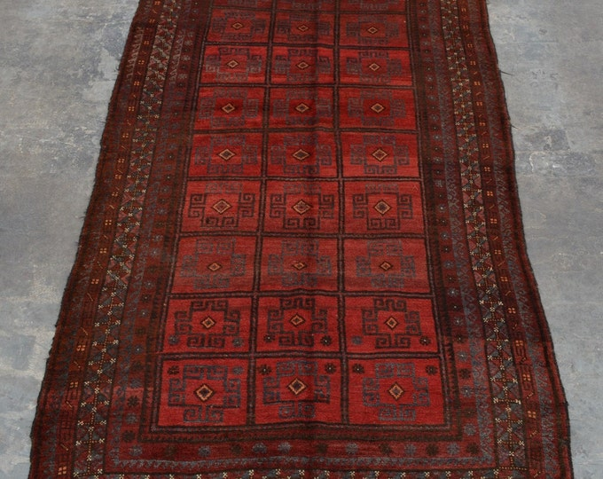Hand knotted Piece of art 100% wool vintage area rug