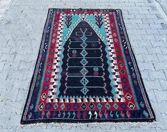 Vintage Turkish kilim, Anatolian kilim, prayer kilim, Embroidery kilim,