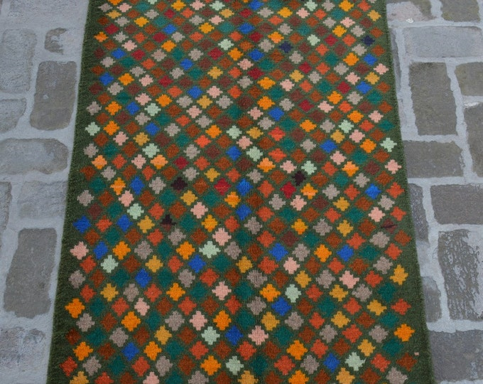 89 x 135 cm. Soft wool hand made modern rug/ Free Shipping forest green