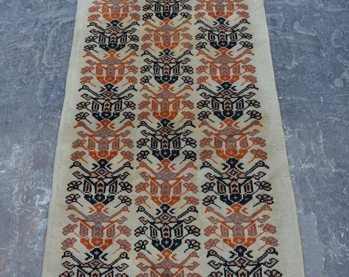 Vintage Moroccan tribal handmade wool rug / Decorative rug vintage afghan traditional rug