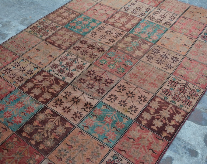 COLLECTORS' ITEM Antique geomatric Pattern Caucasian Design Tribal carpet/ Decorative rug Caucasian traditional rug