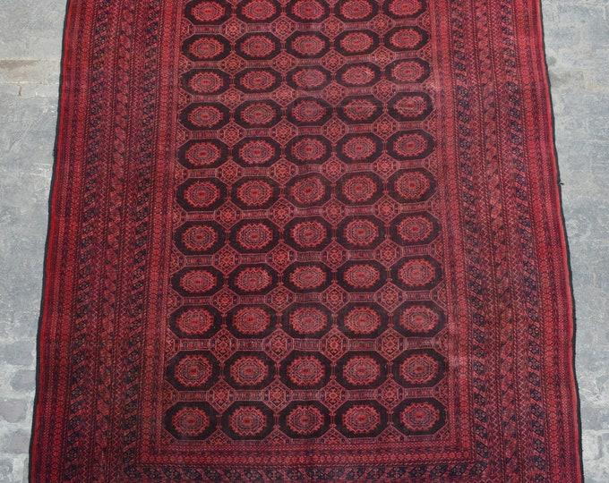 Large vintage Sarook hand knotted area rug