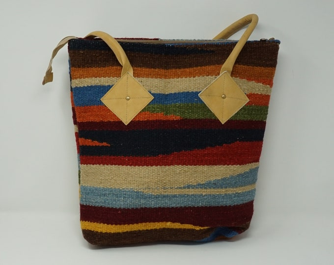 Beautiful handmade kilim Tote handbag / Bohemian decorative kilim handbag