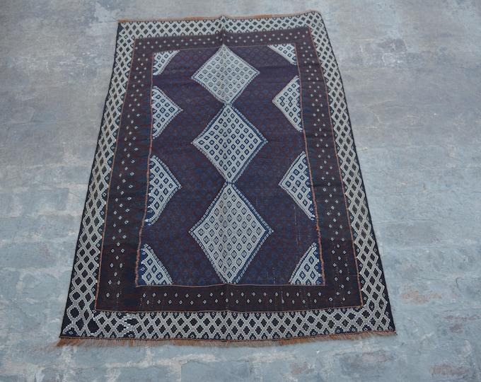 Elegant handwoven sumak kilim rug 100% wool
