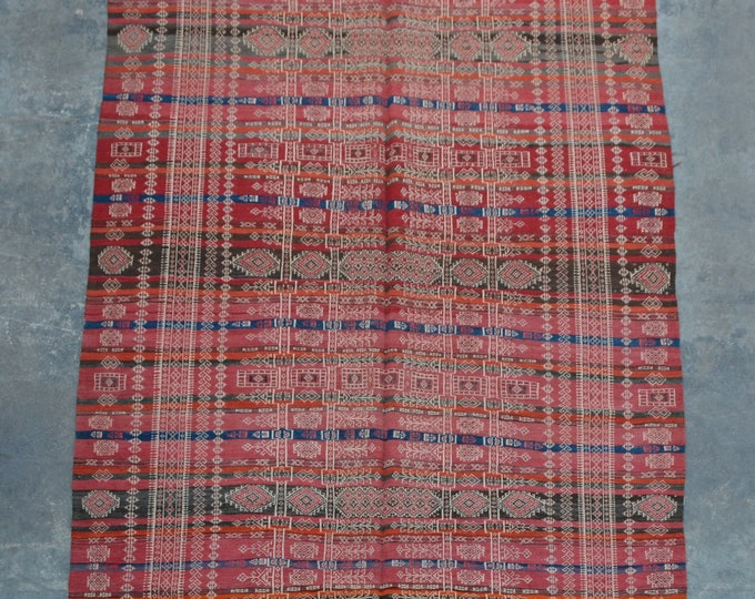 Elegant afghan vintage Baluchi kilim