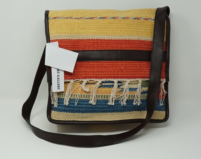 Beutiful hand made Kilim cross body bag / bohemian handbag kilim handbag