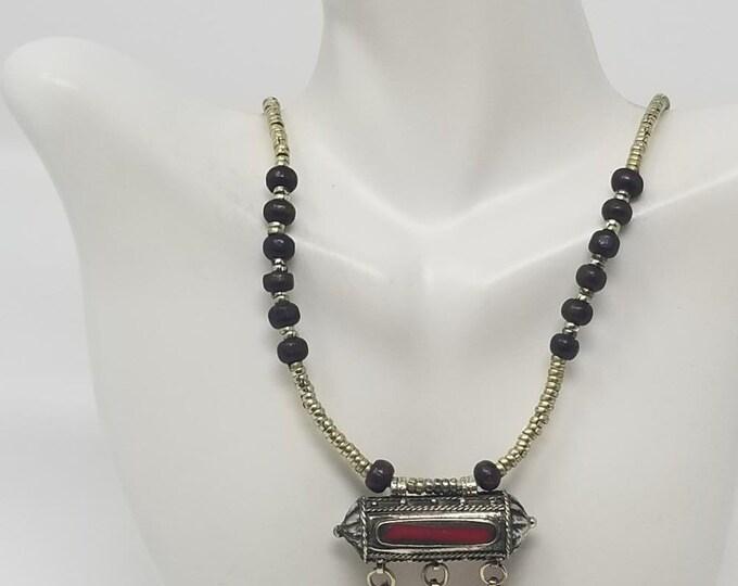 Beautiful vintage Afghan kuchi red pendant necklace/ gypsy Ethnic jewelry/ Afghan jewelry , Gypsy style jewelry Boho style