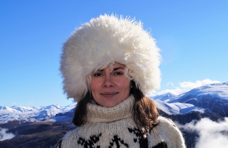 18b4e5ab10323 Russian real fur hat White sheepskin hat Russian papakha   Etsy