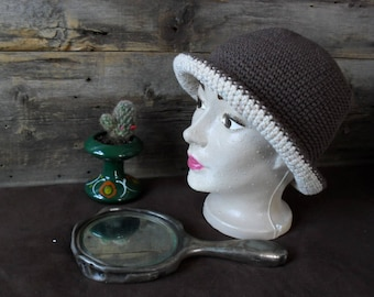 Vintage hat for adult, medium, 22-23 inches