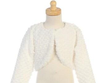 54aad0df65f78 Boléro fille blanc cérémonie veste gilet boléro fausse fourrure pour bébé  et fille couleur blanc manches longues mariage baptême