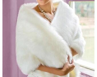 29d65bf2cee4 Châle étole en fausse fourrure blanche- câpe de luxe avec magnifique tissu fausse  fourrure imitation renard pour mariée soirée mariage
