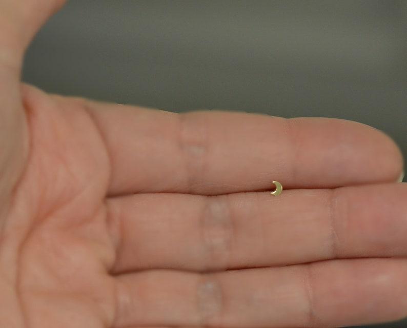 Piercing nose moon yellow gold 14 K mini size